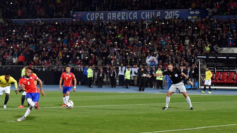Arturo Vidal Chile penalty