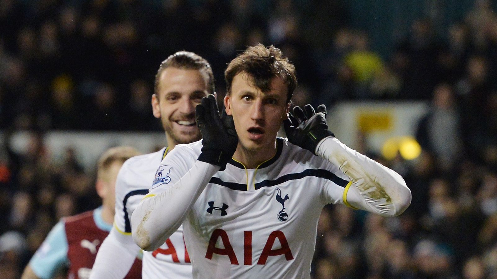 Tottenham confirm Vlad Chiriches switch to Napoli | Football News ...