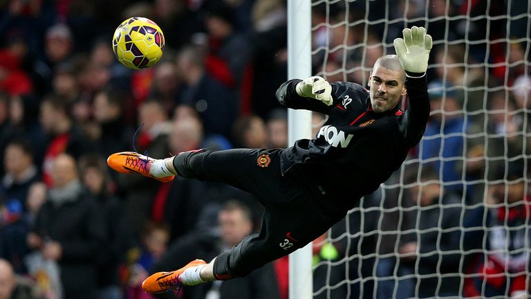 Victor Valdes could move to Turkish side Besiktas