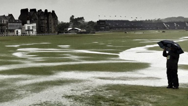 Heavy rain at St Andrews halted play