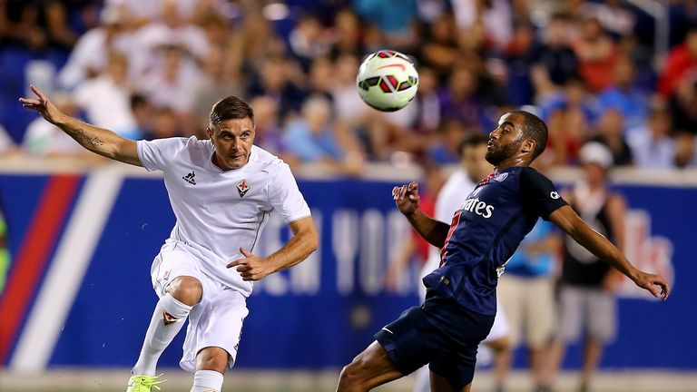 Joaquin scores from long-range during Fiorentina's pre-season friendly against Paris Saint-Germain