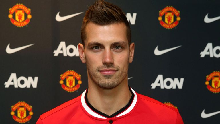 Morgan Schneiderlin: Signed a four-year Man United contract