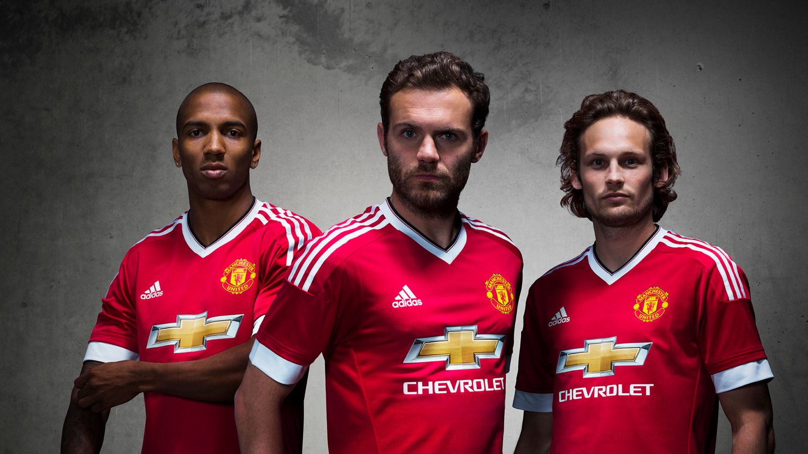 Manchester United unveil new adidas kit for 2015/16 season ...