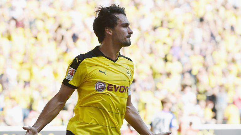 Mats Hummels celebrates his goal for Dortmund