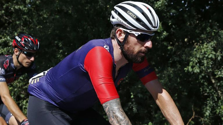 Wiggins has fitted in seamlessly with his less-celebrated team-mates, according to Doull