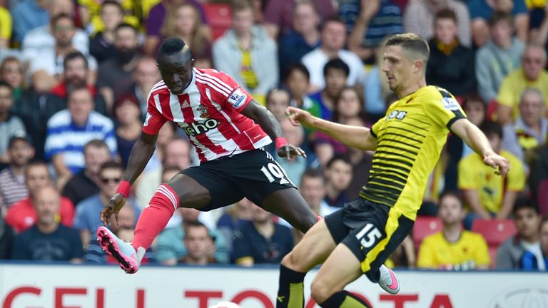 Southampton's Senegalese midfielder Sadio Mane shoots past Watford's Craig Cathcart