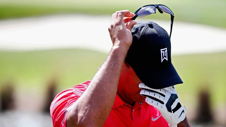 Woods in noticeable pain at the Honda Classic