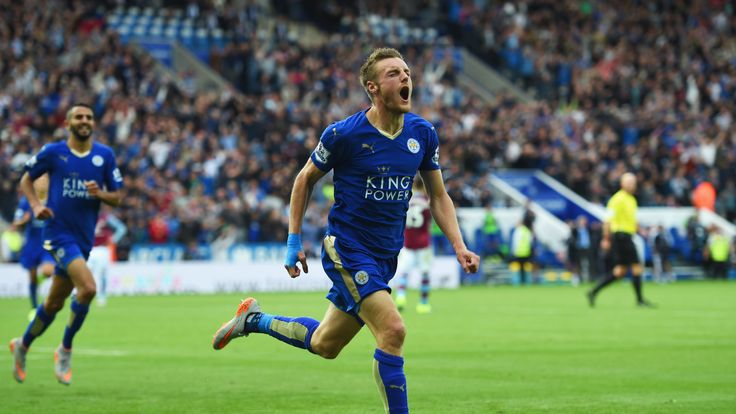 Jamie Vardy of Leicester City celebrates as he scores their second and equalising goal against Aston Villa