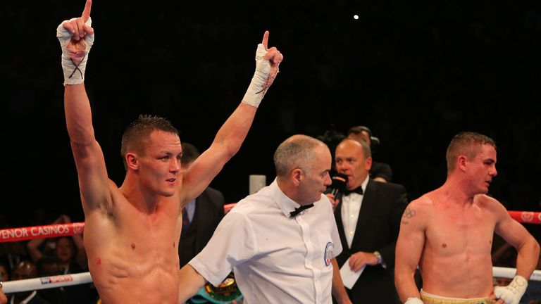 Warrington (L) worked hard to comfortably outpoint Brunker in Leeds