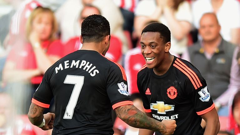 4b5ea451b David Beckham urges Memphis Depay to take inspiration from Man ...