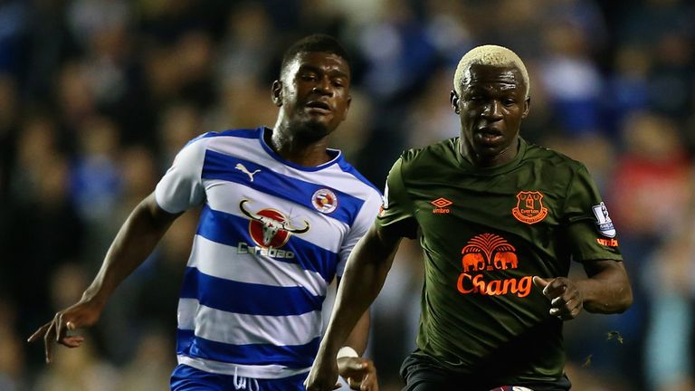 Arouna Kone breaks clear of Aaron Tshibola