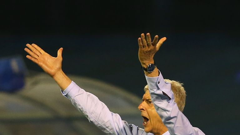 Arsene Wenger reacts during Arsenal's defeat