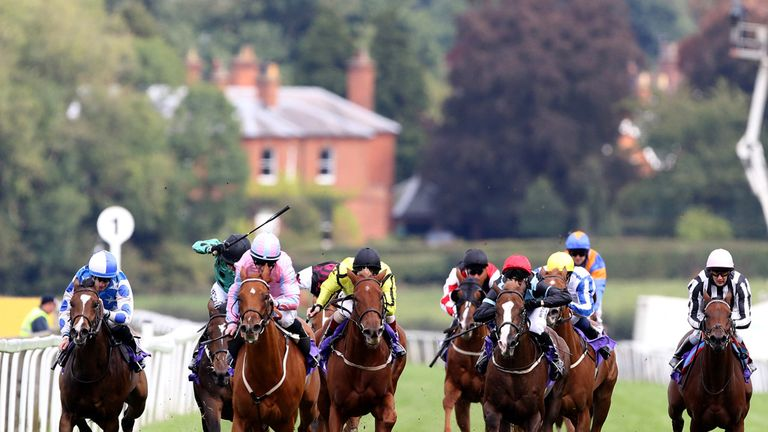 Fashionata (pink and blue silks), ridden by Graham Gibbons, wins at Beverley