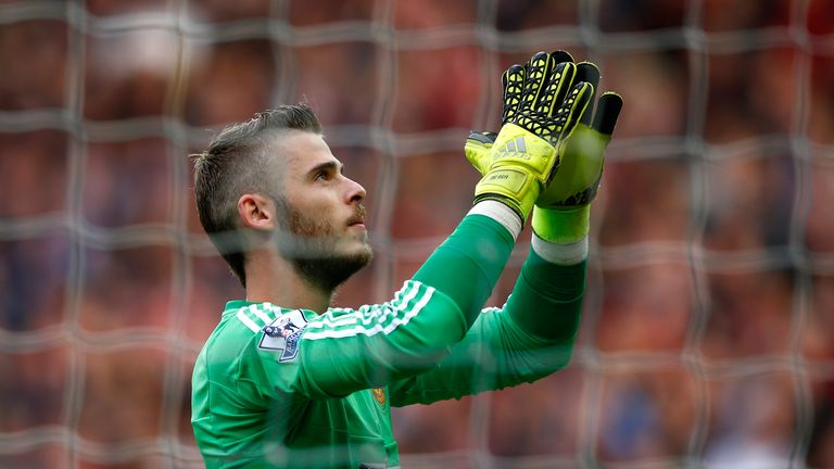 David De Gea applauds the fans during the Barclays Premier League match between Manchester United and Liverpool