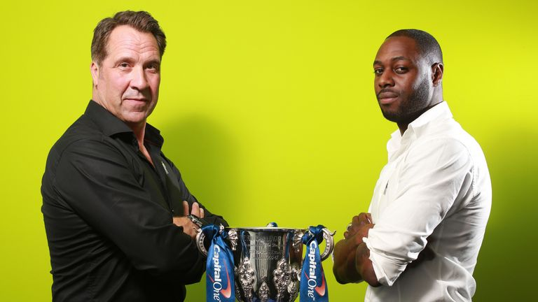 David Seaman and Ledley King with The Capital One Cup ahead of Tottenham v Arsenal