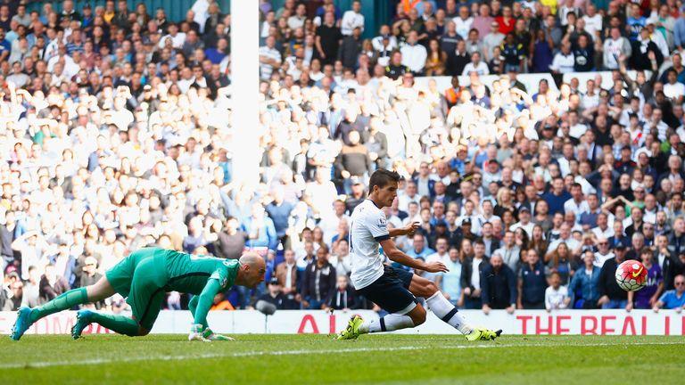 Erik Lamela of Tottenham Hotspur scores his team's fourth goal