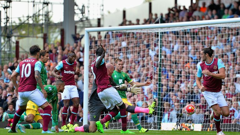 Cheikhou Kouyate nets West Ham's equaliser against Norwich