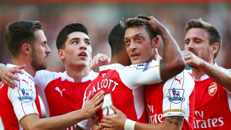 Arsenal travel to unbeaten Leicester at 3pm on Saturday
