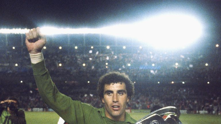 Shilton celebrates with the trophy after Forest beat Hamburg in the 1980 European Cup final