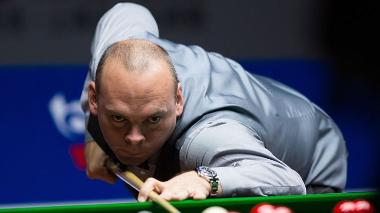 Stuart Bingham sets up semi-final clash with Judd Trump
