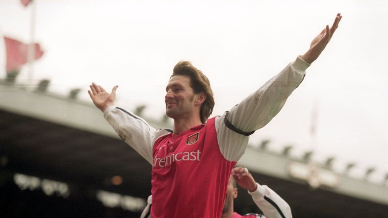 26 Dec 2000:  Tony Adams celebrates his goal for Arsenal during the FA Carling Premier League match against Leicester City played at Highbury in London. Ar