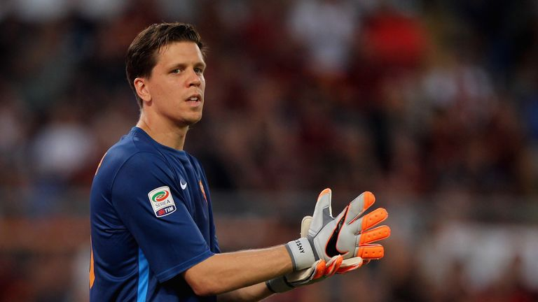 Roma goalkeeper Wojciech Szczesny could be out for up to six weeks