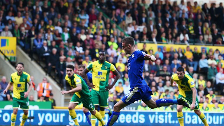 Jamie Vardy of Leicester City scores