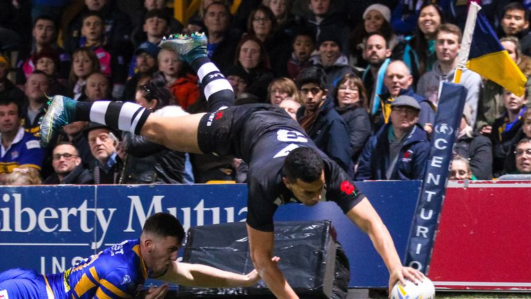 Jordan Kahu scores a spectacular try for New Zealand