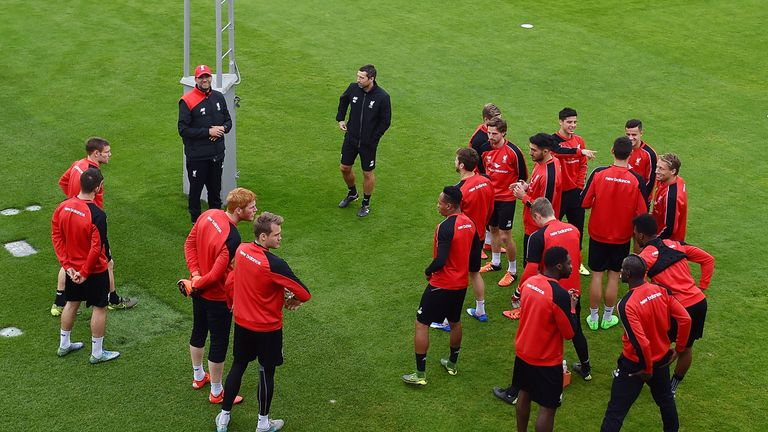 Klopp speaks to the Liverpool squad before Wednesday's training session got underway