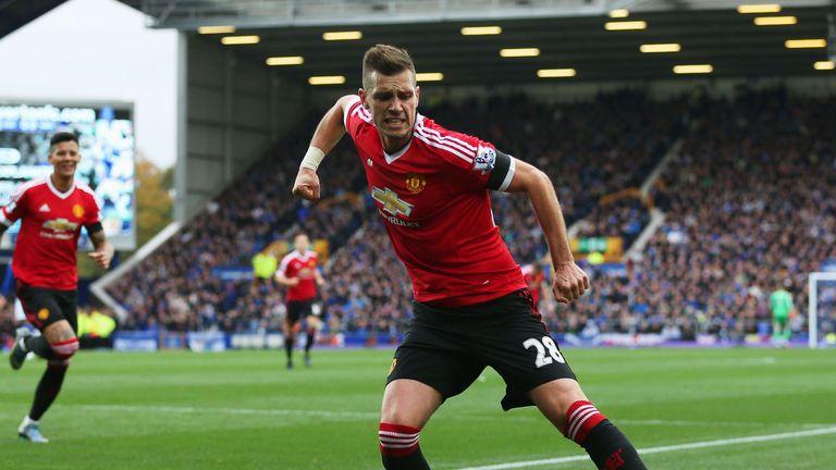 Morgan Schneiderlin scored the opener for Manchester United at Everton