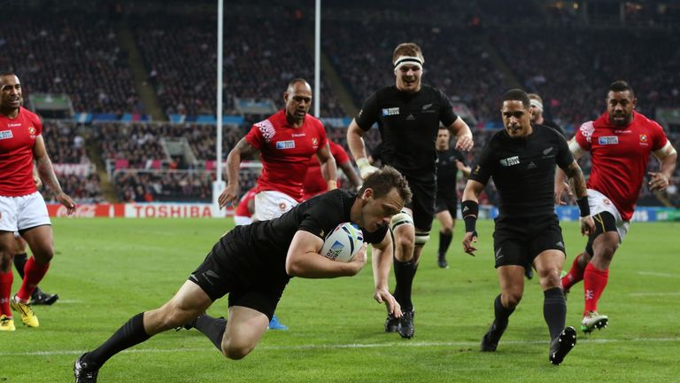 Full-back Ben Smith scores the All Blacks' first try at St James' Park