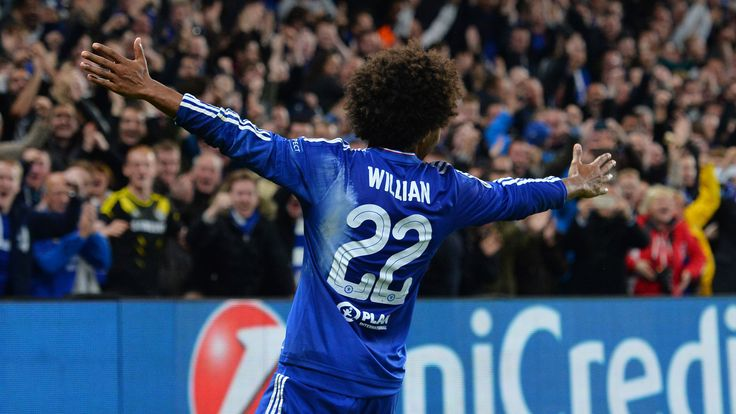 Chelseamidfielder Willian celebrates