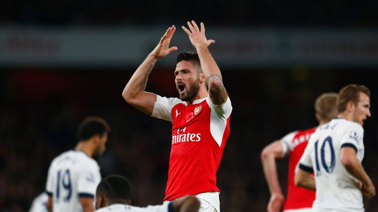 Olivier Giroud encourages the Arsenal fans, Arsenal v Tottenham, Premier League