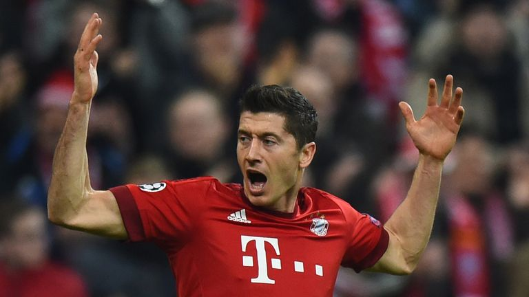 Robert Lewandowski celebrates