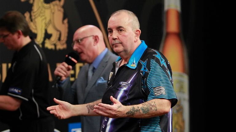 Phil Taylor had a 7-3 lead at one point before losing (pictures courtesy of Lawrence Lustig/PDC)