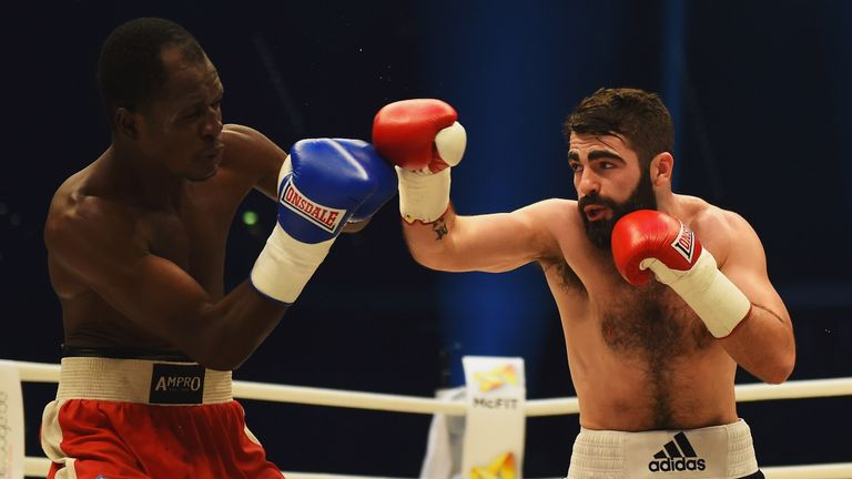 Jono Carroll out-classed Miguel Gonzalez over 10 rounds