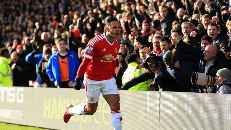 Memphis Depay goal celeb, Watford v Manchester United, Premier League