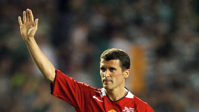 MANCHESTER, United Kingdom:  (FILES) Irish international footballer Roy Keane leaves the field after his Testimonial soccer match between Manchester United