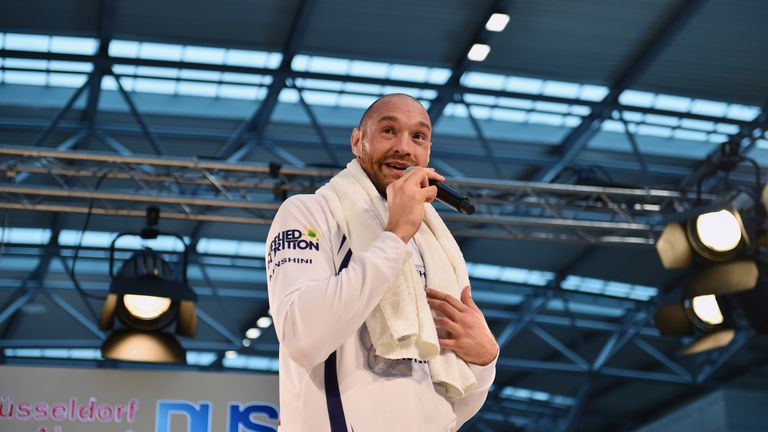 Tyson Fury says he will sing if he beats Wladimir Klitschko on Saturday