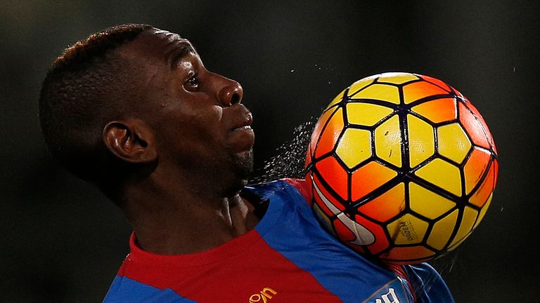 Yannick Bolasie controls the ball