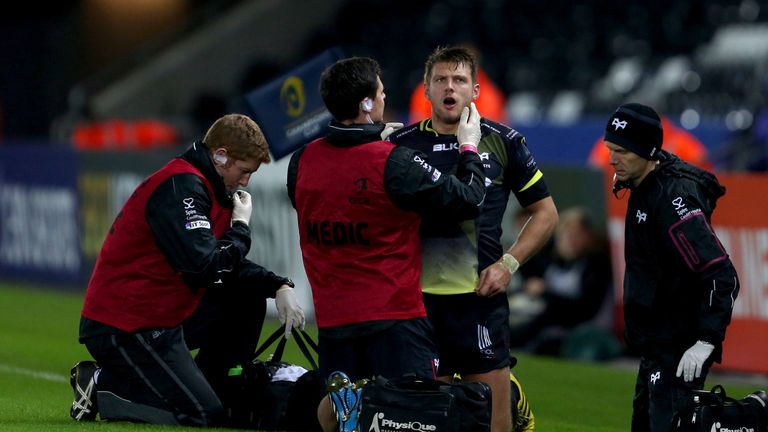 Bordeaux were reduced to 14 men when winger saw red for a leading arm on Dan Biggar