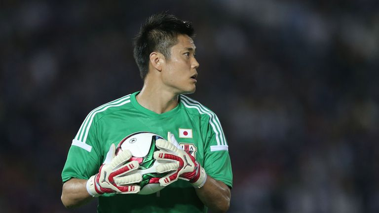 Goalkeeper Eiji Kawashima has signed for Dundee United until the end of the season