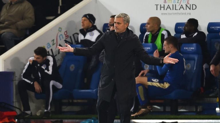 LEICESTER, ENGLAND - DECEMBER 14:  Jose Mourinho reacts during the Barclays Premier League match between Leicester City and Chelsea