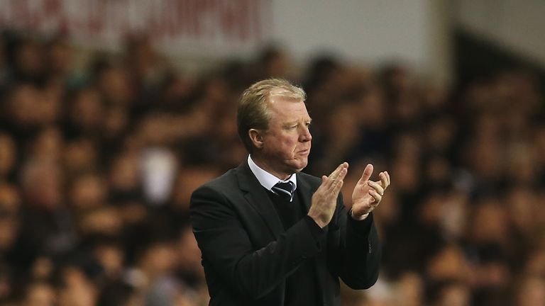 Steve McClaren manager of Newcastle United applauds during the Barclays Premier League match at Tottenham Hotspur