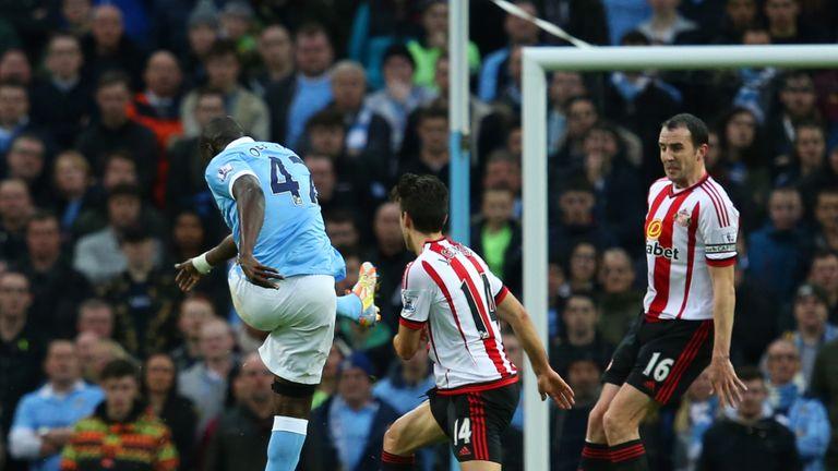 Yaya Toure doubles Manchester City's lead against Sunderland