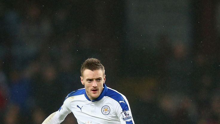 Jamie Vardy of Leicester City in action during the Premier League match with Aston Villa