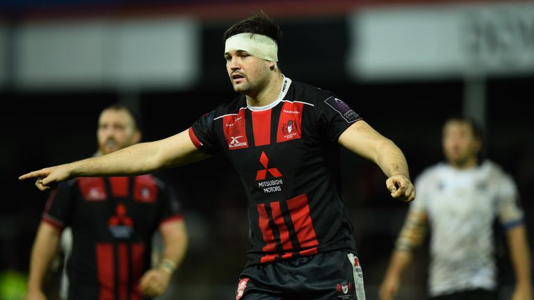 Gloucester forward Elliott Stooke is joining Bath