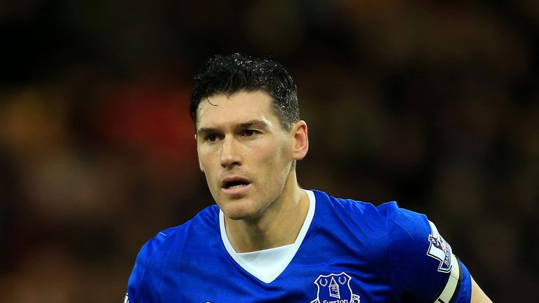 Gareth Barry during the Premier League match between Norwich City and Everton at Carrow Road