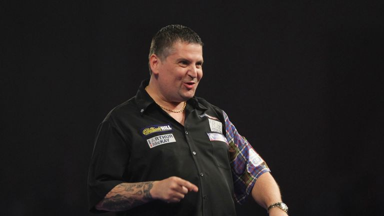 Gary Anderson picked up his first points in front of his home fans