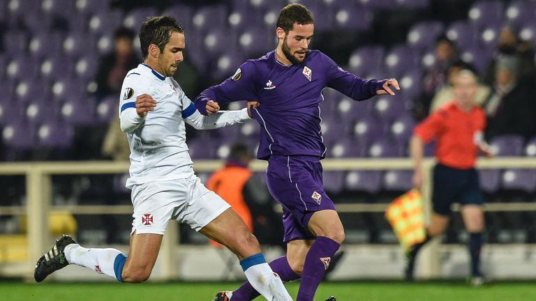 Fiorentina's Spanish midfielder Mario Suarez is due to finalise a move to Watford on Thursday